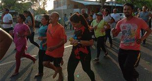 डॉक्टर्स ने 5 किमी दौड़कर बढ़ाई स्वास्थ्य जागरूकता