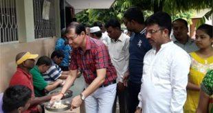 कोमल धारीवाल की पुण्यतिथि पर विमंदितों को भोजन